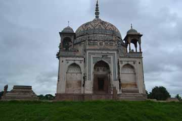 tomb-of-lal-khan